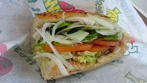 サブウェイの「野菜多め」のさらに上、「上限まで」のブログ画像