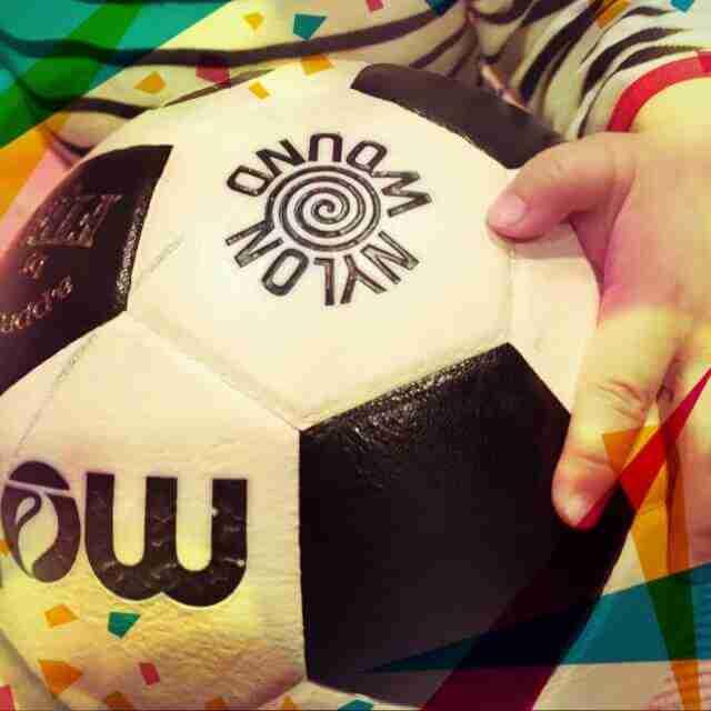 赤ちゃんとサッカーボールのブログ画像