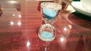 紅茶の待ち時間に砂時計のブログ画像