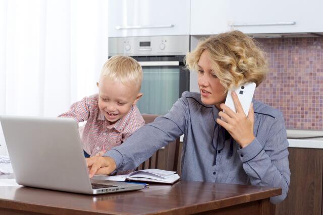 出産後に復職する際、しっかり考えて準備すること。ワーキングママの仕事と家庭の両立についてのサムネイル画像